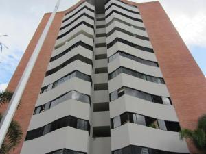 Apartamento En Venta En Valencia, Valle Blanco, Venezuela, VE RAH: 16-15492