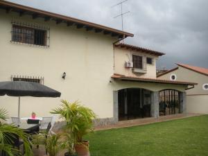 Casa En Venta En Caracas, Prados Del Este, Venezuela, VE RAH: 16-15531