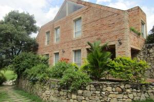 Casa En Alquiler En Valencia, Hato Royal, Venezuela, VE RAH: 16-15544