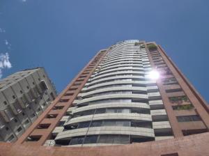 Apartamento En Venta En Caracas, La Florida, Venezuela, VE RAH: 16-15577