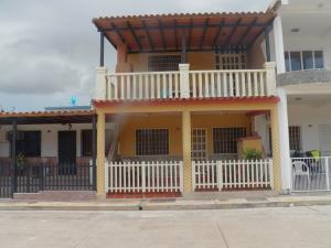 Casa En Venta En Municipio San Diego, Los Jarales, Venezuela, VE RAH: 16-15558