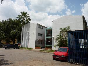 Apartamento En Venta En Maracay, El Paseo, Venezuela, VE RAH: 16-15567