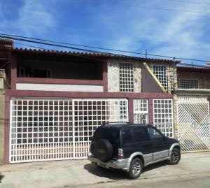 Casa En Venta En Turmero, La Mantuana, Venezuela, VE RAH: 16-5393