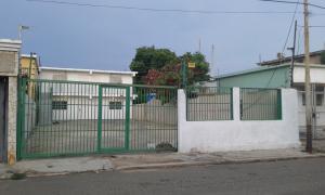 Local Comercial En Alquiler En Maracaibo, La Lago, Venezuela, VE RAH: 16-15609
