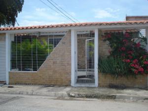 Casa En Venta En San Joaquin, La Pradera, Venezuela, VE RAH: 16-15657