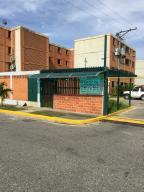 Apartamento En Venta En Municipio San Diego, El Tulipan, Venezuela, VE RAH: 16-15663