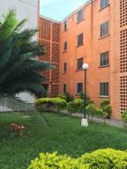 Apartamento En Venta En Municipio San Diego, El Tulipan, Venezuela, VE RAH: 16-15705