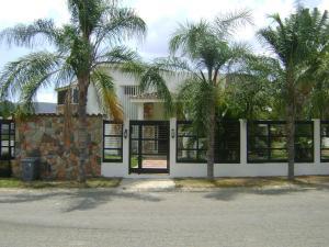Casa En Venta En Municipio San Diego, Villas De San Diego, Venezuela, VE RAH: 16-15667