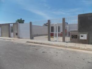 Casa En Venta En Punto Fijo, Pedro Manuel Arcaya, Venezuela, VE RAH: 16-15216