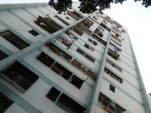 Apartamento En Venta En Caracas, Caricuao, Venezuela, VE RAH: 16-15866