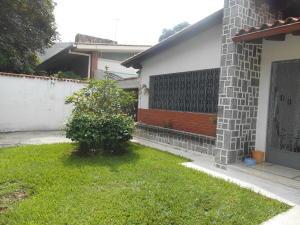 Casa En Venta En Caracas - La Floresta Código FLEX: 16-15797 No.2