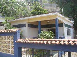 Casa En Venta En Parroquia Carayaca, Sector Las Salinas, Venezuela, VE RAH: 16-15688