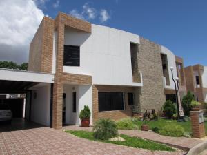 Townhouse En Venta En Ciudad Bolivar, Angostura, Venezuela, VE RAH: 16-15779
