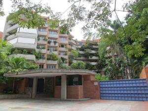 Apartamento En Venta En Caracas, Campo Alegre, Venezuela, VE RAH: 16-15706