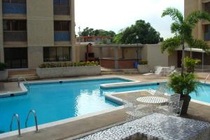 Apartamento En Venta En Maracaibo, La Lago, Venezuela, VE RAH: 16-15711