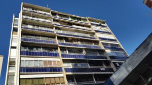 Apartamento En Venta En Caracas, Colinas De Bello Monte, Venezuela, VE RAH: 16-15729