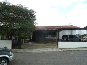 Casa En Venta En Caracas, Prados Del Este, Venezuela, VE RAH: 16-15759