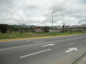 Terreno En Venta En Guatire, El Marques, Venezuela, VE RAH: 16-15765