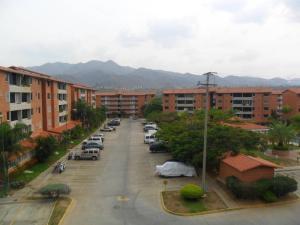 Apartamento En Alquiler En Guatire, Sector San Pedro, Venezuela, VE RAH: 16-15773