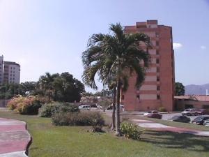 Apartamento En Venta En Municipio Naguanagua, Tazajal, Venezuela, VE RAH: 16-12532