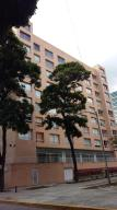 Apartamento En Venta En Caracas, El Rosal, Venezuela, VE RAH: 16-16009