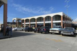 Local Comercial En Venta En Valencia, Avenida Lara, Venezuela, VE RAH: 16-15795