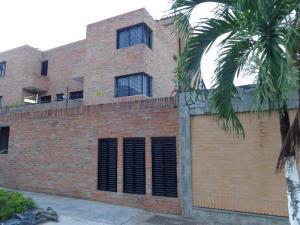 Townhouse En Venta En Valencia, El Bosque, Venezuela, VE RAH: 16-15796