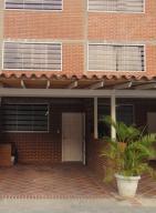 Townhouse En Venta En Guatire, El Ingenio, Venezuela, VE RAH: 16-4706