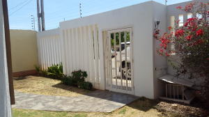 Casa En Venta En Punto Fijo, Puerta Maraven, Venezuela, VE RAH: 16-15821