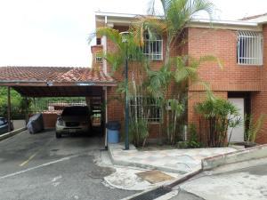 Townhouse En Venta En Caracas, El Hatillo, Venezuela, VE RAH: 16-15865