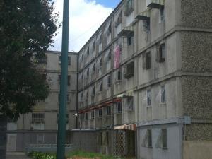 Apartamento En Venta En Caracas, Caricuao, Venezuela, VE RAH: 16-15849