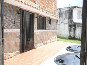 Casa En Venta En Municipio Naguanagua, El Naranjal, Venezuela, VE RAH: 16-15850