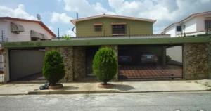 Casa En Venta En Valencia, Trigal Norte, Venezuela, VE RAH: 16-15859