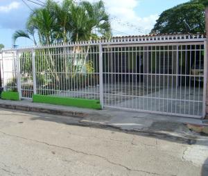 Casa En Venta En Maracay, El Limon, Venezuela, VE RAH: 16-15916