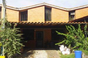 Townhouse En Venta En Guarenas, Nueva Casarapa, Venezuela, VE RAH: 16-15810