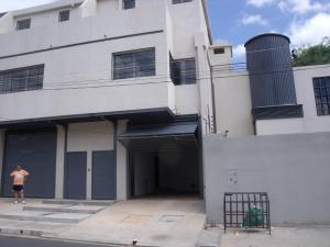 Apartamento En Venta En Ciudad Bolivar, Paseo Meneses, Venezuela, VE RAH: 16-16481
