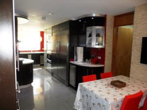 Apartamento En Alquiler En Caracas - Los Chorros Código FLEX: 16-15912 No.4