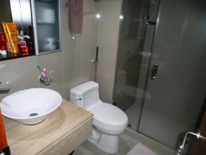 Apartamento En Alquiler En Caracas - Los Chorros Código FLEX: 16-15912 No.16