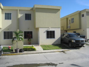 Casa En Venta En Cabudare, El Trigal, Venezuela, VE RAH: 16-15922