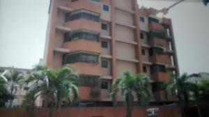 Apartamento En Venta En Parroquia Caraballeda, Caribe, Venezuela, VE RAH: 16-16816