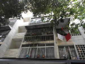 Apartamento En Venta En Caracas, Colinas De Bello Monte, Venezuela, VE RAH: 16-15937