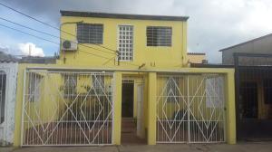 Casa En Venta En Cabudare, El Trigal, Venezuela, VE RAH: 16-15944