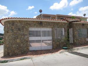 Casa En Venta En Charallave, Colinas De Betania, Venezuela, VE RAH: 16-16032