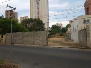 Terreno En Venta En Maracaibo, Banco Mara, Venezuela, VE RAH: 16-15978