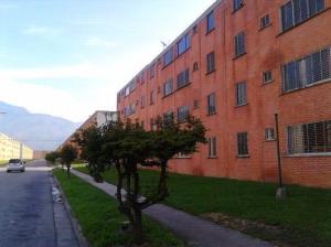 Apartamento En Venta En Municipio San Diego, El Tulipan, Venezuela, VE RAH: 16-15982