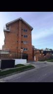 Apartamento En Venta En Caracas, El Hatillo, Venezuela, VE RAH: 16-15988
