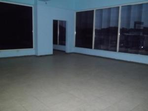 Local Comercial En Alquiler En Maracaibo, Circunvalacion Dos, Venezuela, VE RAH: 16-15994