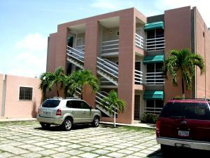 Apartamento En Ventaen Higuerote, Higuerote, Venezuela, VE RAH: 16-16031