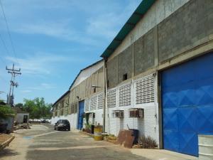 Galpon - Deposito En Venta En Municipio San Francisco, Zona Industrial, Venezuela, VE RAH: 16-16006