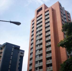 Apartamento En Venta En Valencia, El Bosque, Venezuela, VE RAH: 16-16017
